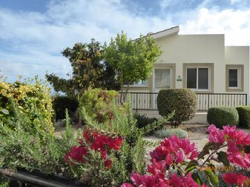 Villa with private pool, stunning views of Peyia & Coral Bay, Paphos