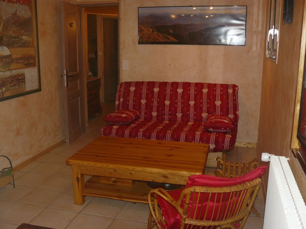 Independent apartment in chalet, beautiful view of the lake and mountains