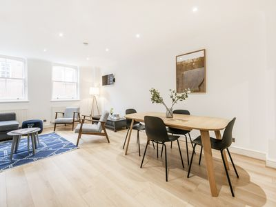 Photo for Beautiful 3 bedroom Mews House in Kensington