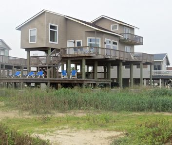 Photo for Summer Wind, Beachfront with incredible views! 5 miles from Galveston sea wall!