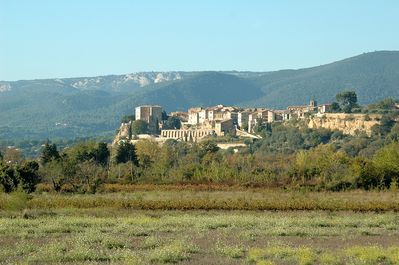 Lauris: village in the Luberon.