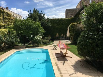 Photo for Beautiful townhouse in Bordeaux, with pool and garden