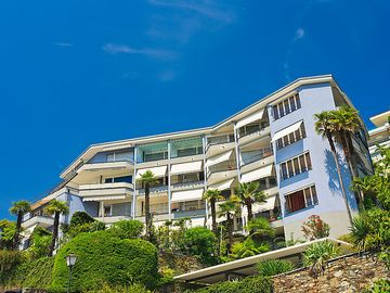 Search 790 holiday lettings