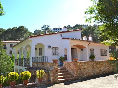 Photo for Only 400 meters from the beautiful beach of Sa Riera is this apartment, surrounded by Medi