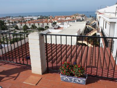 Photo for Spacious house with terrace, patio and sea views near the beach in Salobreña!