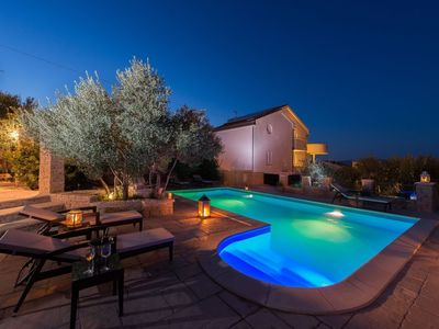 Photo for In the center of Murter with Internet, Pool, Air conditioning, Parking (740078)