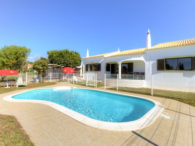 Photo for Villa in Alcantarilha with 3 bedrooms and capacity for 6 people