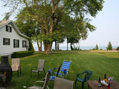 Lake Front Vacation Cottage in Family-friendly Lexington Heights