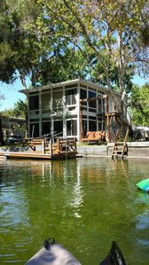 Little House on the River - on main river not canal, includes kayaks/canoe