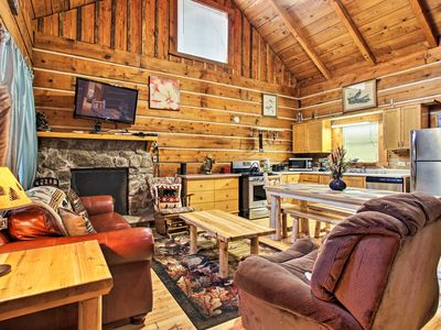 Photo for Family Cabin w/Spa ~ 8 Miles to GSM National Park!