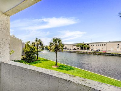 Photo for Shoreline Towers Townhome #4-4 3BR☀LakeFront☀Aug 25 to 27 $660 total! FunPass