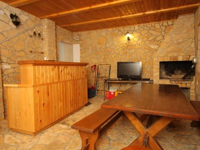 Photo for Two bedroom apartment with air-conditioning Poljana (Ugljan)