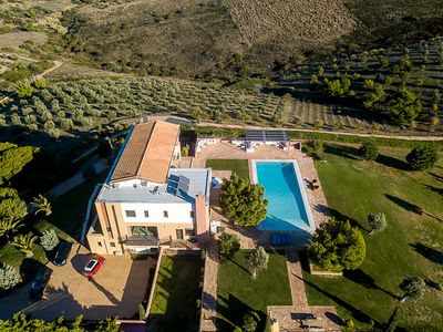 Photo for Distefi Hills, Villa up 18guests, Sounio