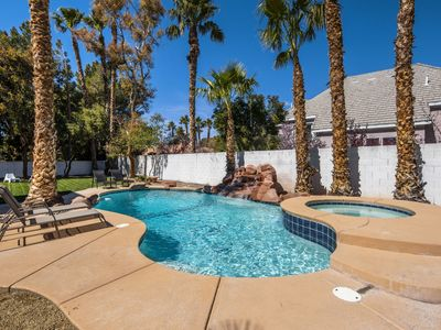 Photo for Luxurious 4 bed 4.5 bath home