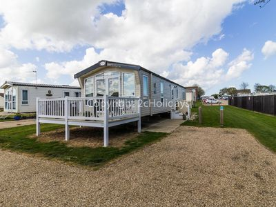 Photo for 6 berth diamond rated caravan in Summerfileds holiday in Norfolk ref 19013