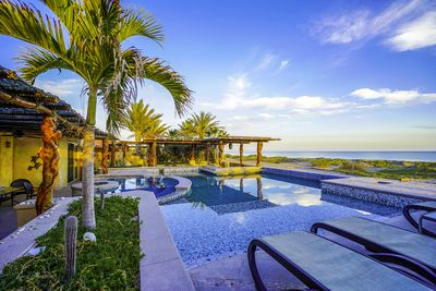Beachfront Villa - Only 40 Steps from your Pool to a 5 mile Kayak-Swimming Beach