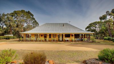 Photo for 18 acres pure bliss, magnificent 4 bedroom full brick house 90 min from Sydney
