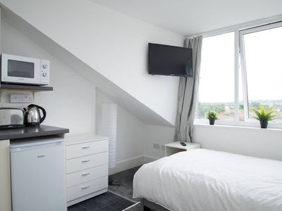 Photo for Studio apartment in the center of Beckenham with Internet (705334)