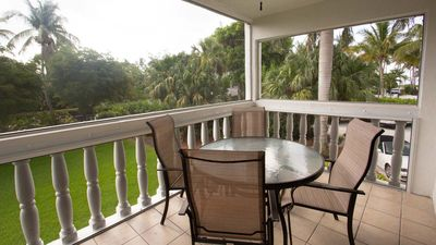 Photo for Breakers West #7 Newly renovated 2 bedroom, 2 bath, pool, beautiful interior, West end of Sanibel