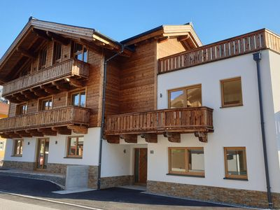 Photo for Large, detached luxury chalet, piste and centre within walking distance