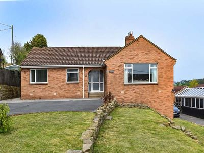 Photo for CHARNWOOD, family friendly, with a garden in Sleights, Ref 903654