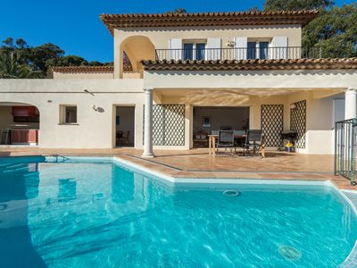 Photo for Lovely 4 bedroom villa with Sea view, heated pool at the Golf of St-Tropez