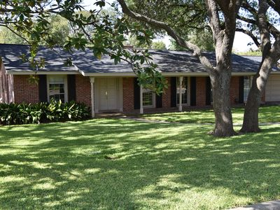 Photo for CENTRALLY LOCATED - Charming 4 BR, 2 bath, pool, 8-per Jacuzzi close to airport