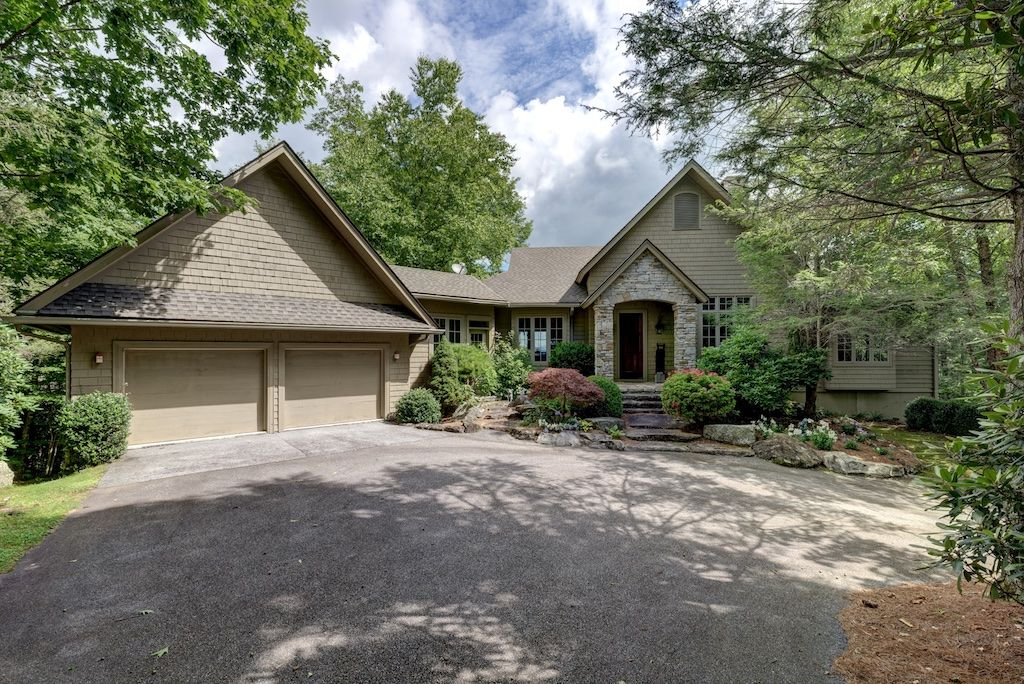 Private Home in Old Edwards Club in Highlands, NC - Pet Friendly  Accommodations | Petfriendly.io