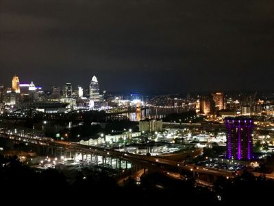 Amazing Cincinnati Evening Skyline Views!