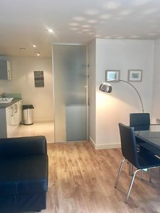 Photo for Apartment in London with Internet, Lift, Washing machine (678114)