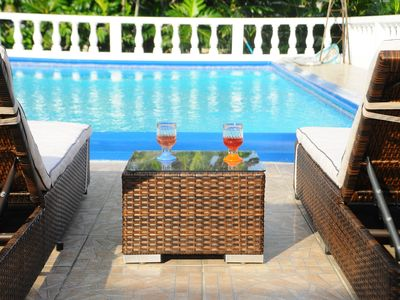Villa Patiently Waiting Private swimming pool  swimming pool and BBQ area