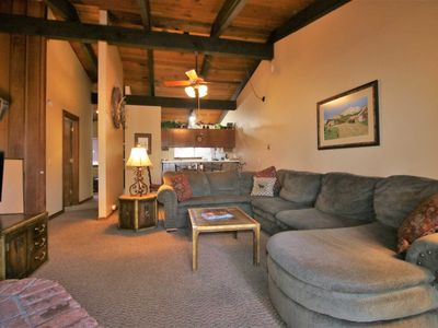 #122 MAMMOTH ESTATES : 3 BD/ 2 BA