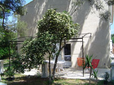 Photo for At 150 meters from the sea, T3 65m², charming, quiet, garden, ideal location.