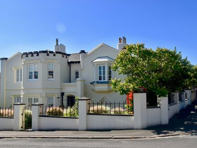 Photo for 5BR House Vacation Rental in Ryde