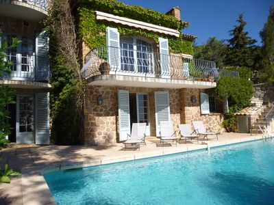 Photo for Superb provencal bastide for rent in Miramar with pool, magnificent view and 6 bedrooms