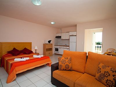 Photo for Apartment in Riumar with Parking, Internet, Washing machine, Air conditioning (89805)
