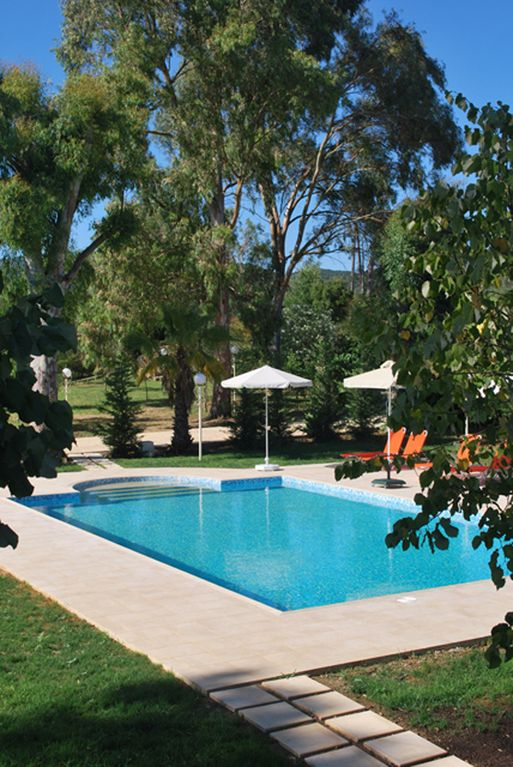 Villa In A Beautiful Garden: The Houses Are The Perfect Family