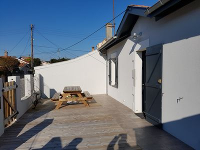 "Photo for Pretty house ""Arcachonaise"" 250m from the beach of Aiguillon"
