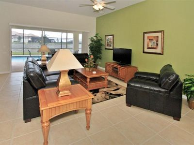 Photo for Windsor Hills 5 bed with free wifi