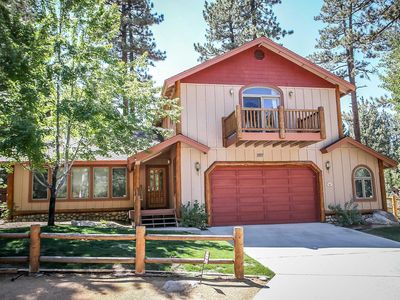 Photo for House in Big Bear Lake with Parking, Internet, Washing machine, Balcony (983548)