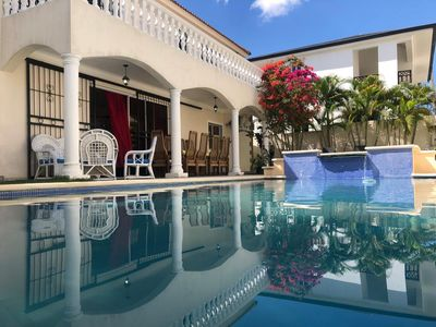 House with Pool with 24h Surveillance in Residential Closed