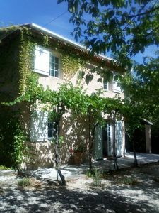 Photo for In the countryside, quiet, 800 m from the Isle sur la Sorgue for 4 to 14 person