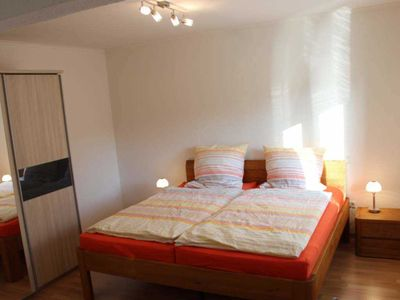 "Photo for Double Room C - Guest House ""An der Fehnroute II"", 11041"