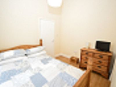 Photo for Charming 2 bedroom First floor apartment
