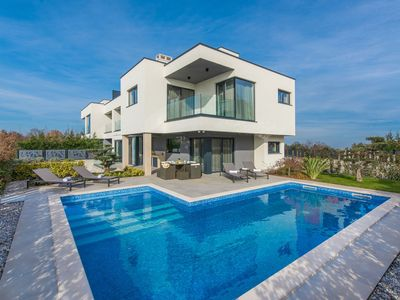 Photo for A modern luxurious villa with sauna, jacuzzi and private swimming pool near Porec.