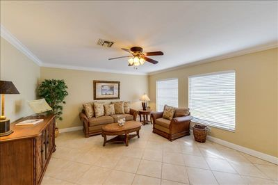 Den area - all tile floors throughout