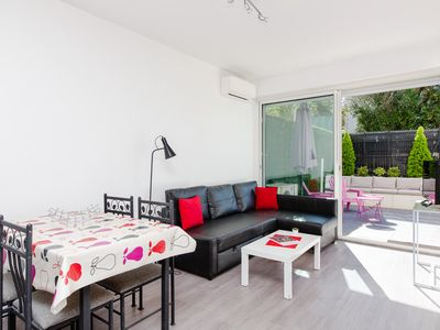 Photo for Superb 1 BR with wonderful terrace - Vaneau