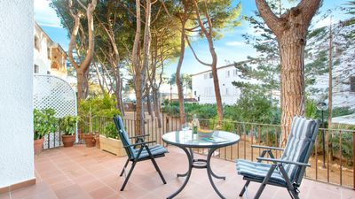 Photo for 3 bedroom Apartment, sleeps 6 with Air Con, WiFi and Walk to Beach & Shops