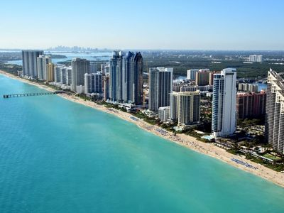 Photo for Apartment in the center of Sunny Isles Beach with Internet, Pool, Air conditioning, Lift (130997)