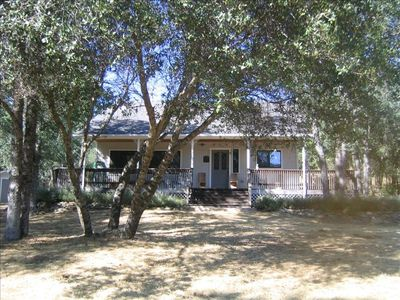 Private Yosemite Family Retreat with Salt Water Pool  and Spa., Wifi